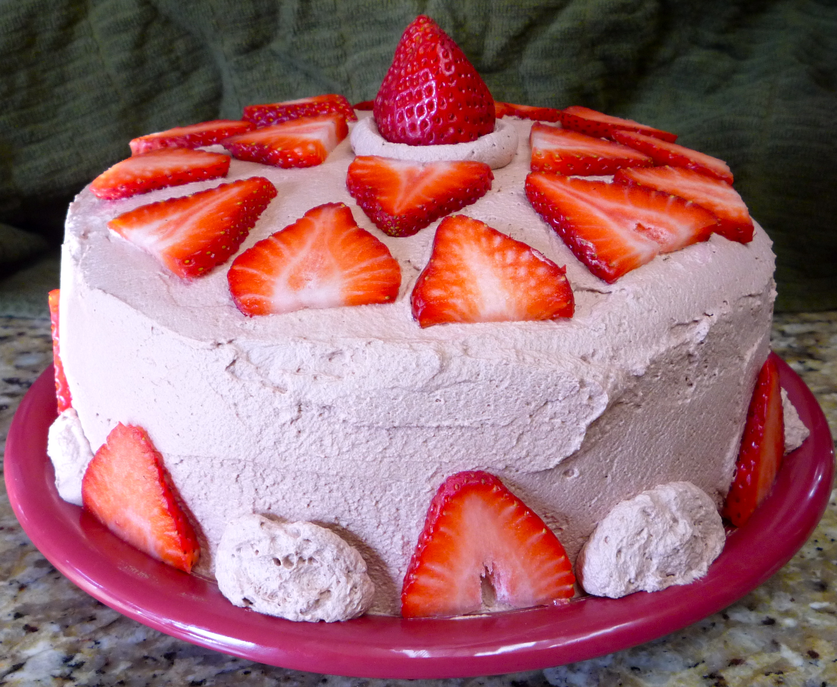 Cake With Chocolate Whipped Cream Frosting : Chocolate Love: Chocolate Cake with Strawberries and ...
