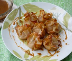 Apple Cream Cheese Wontons-NerdyBaker
