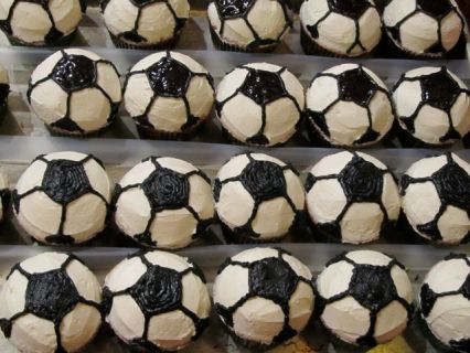 Favorite Party Buttercream Soccer Cupcakes via NerdyBaker.wordpress.com