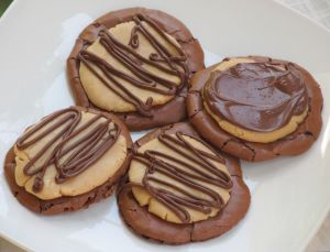 Chocolate Peanut Butter Ball Cookie1